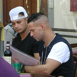 Pauly D and The Situation of Jersey Shore in 2011 Jersey shore guys, shooting in Florence, may 2011.JPG