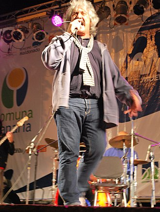 José Carbajal (Uruguayan musician) - El Sabalero providing a concert in 2010.