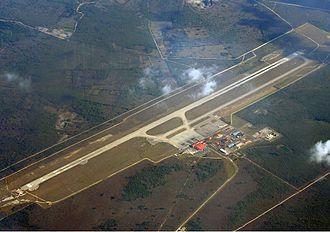 Juan Gualberto Gómez Airport - Image: Juan Gualberto Gómez Airport overview Idaszak