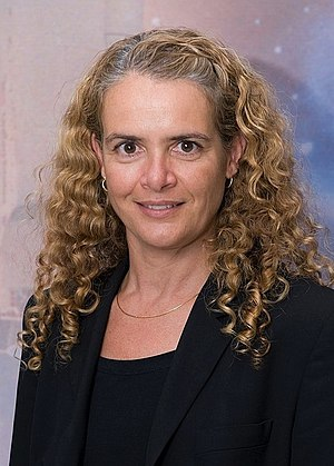 Commander-in-Chief of the Canadian Armed Forces - Image: Julie Payette JSC2009e 123567 cropped