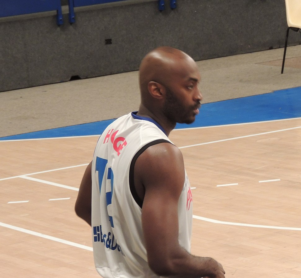 Julius Hodge with Paris-Levallois
