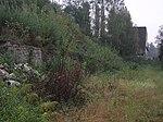 Teilstück der Schleppbahntrasse mit Stützmauer