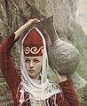 Kabardiner Frau mit Krug.jpg