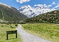 Kea Point Track in Mount Cook National Park 04.jpg