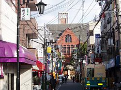Kinki-Univ-Street01.jpg