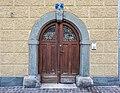 Klagenfurt Innere Stadt Pfarrplatz 2 Wohnhaus Portal 23082020 9782.jpg
