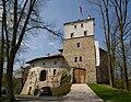 Korzkiew zamek 20080426 3180.jpg