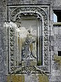 La Ferté-Milon (02) Château Élément sculpté 07.JPG