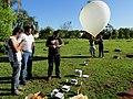 Lançamento do Balão Estratosférico do Projeto Estratos no antigo Thermas de Pitangueiras. A sonda foi batizada de Estratolab 3 subiu 28 km até a estratosfera, registrando a temperatura mínima de - panoramio (1).jpg
