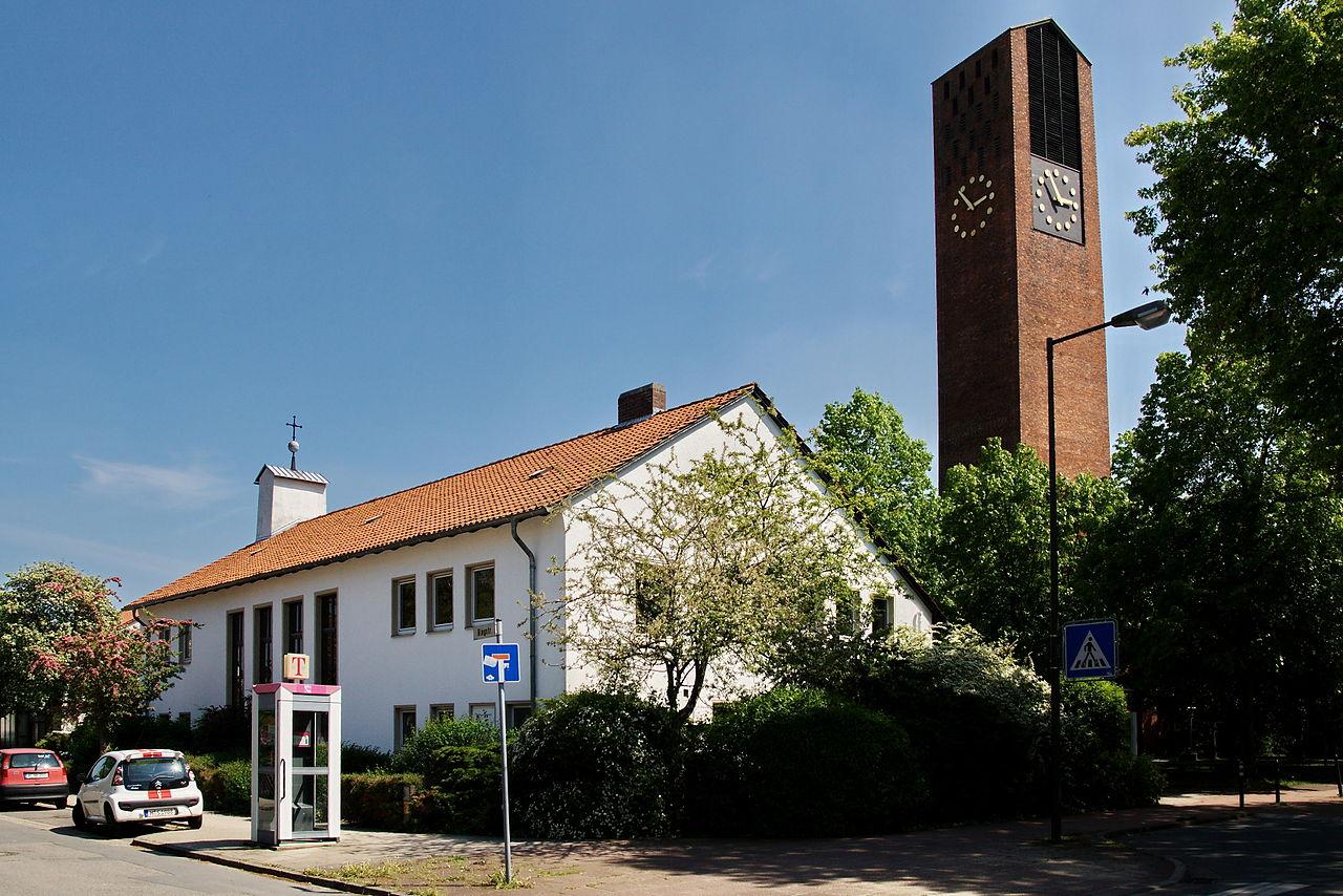 File:Langenhagen Wiesenau Emmaus-Kirche.jpg - Wikimedia