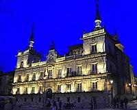 León, ayuntamiento.jpg
