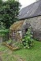 Le Guerno fontaine d'habitation.JPG
