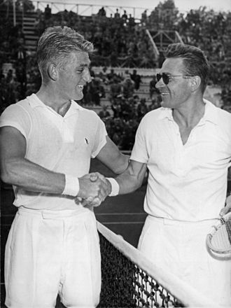 Jaroslav Drobný - Image: Lew Hoad and Jaroslav Drobny Rome 1953