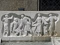 Linz-Innenstadt - Brunnen vor der Arbeiterkammer - 1950 von Alois Dorn - Detail II.jpg