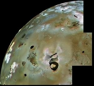 Volcanology of Io - Voyager 1 observation of Loki Patera and nearby lava flows and volcanic pits