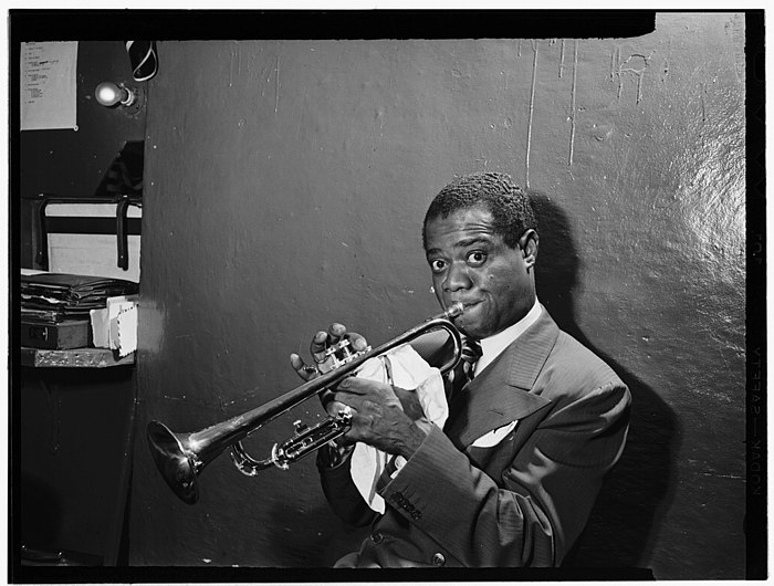 Louis Armstrong, Aquarium, New York, N.Y., ca. July 1946 (William P. Gottlieb 00201).jpg