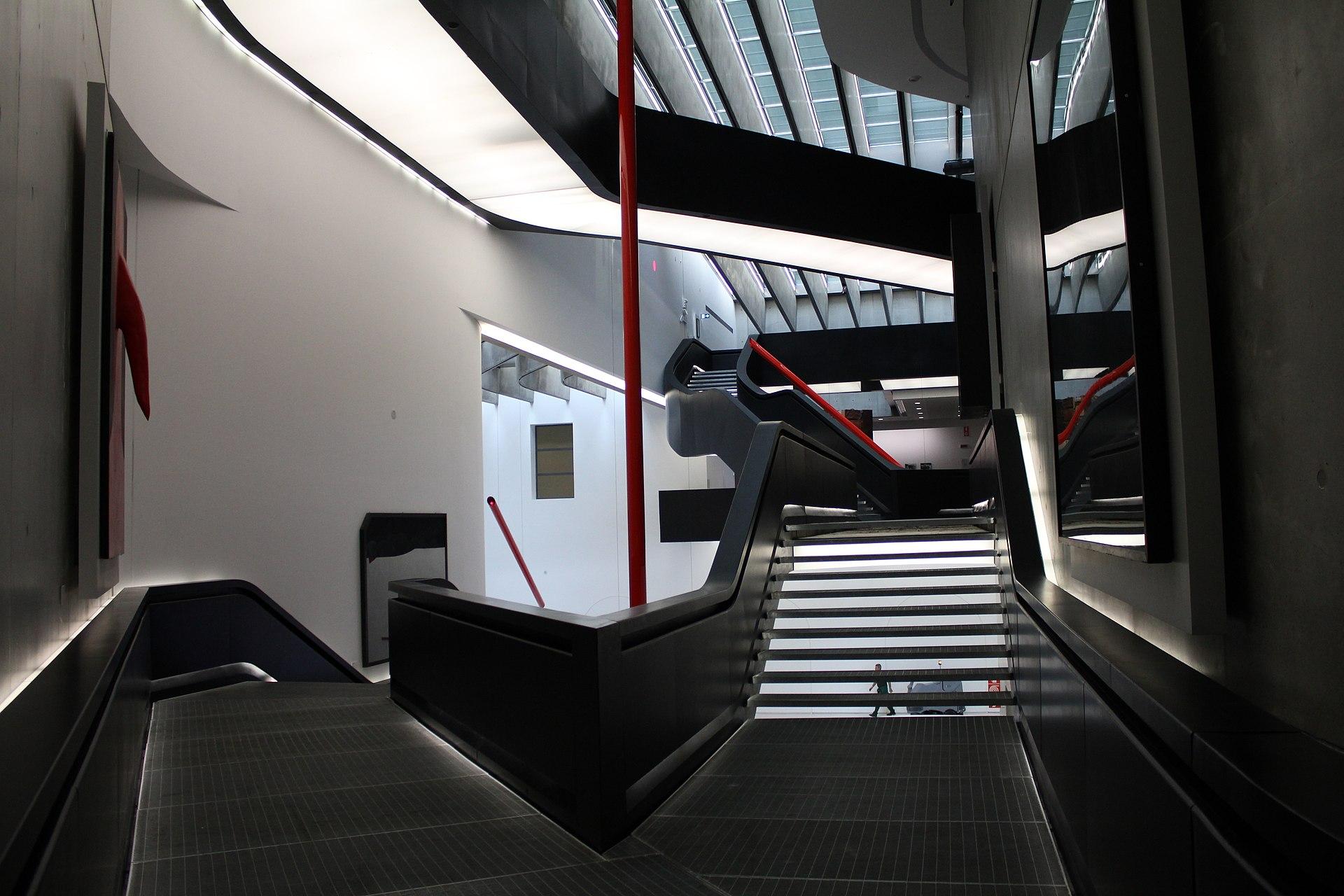 1920px-MAXXI_Museum_interior_05.JPG