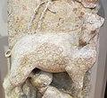 Maestro dei mesi, 01 capricorno che allatta un fanciullo (dicembre-gennaio), 1225-1230 ca. 04.jpg