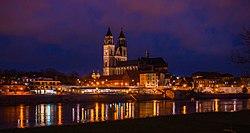Magdeburger Dom und Magdeburger Elbe.jpg