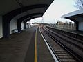 Malden Manor stn look north3.JPG