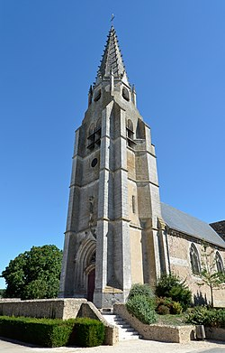 Marboue - Eglise 01.jpg