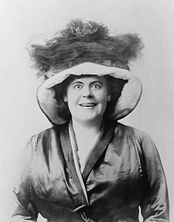 1909 portrait of Marie Dressler