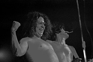 Mark Volman - Volman (and Frank Zappa in background); December 1971, Hamburg