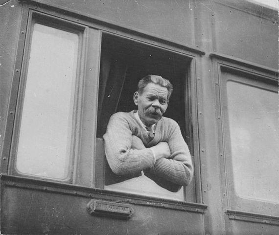 Фотография Альперта «Возвращение Максима Горького на Родину»