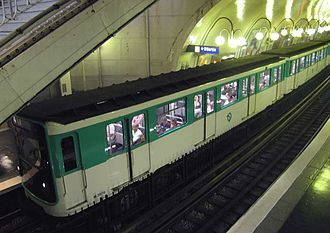 Cité (Paris Métro) - Image: Metro Paris Rame MP59 Ligne 4