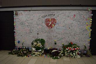 Maalbeek/Maelbeek metro station - Memorial wall after the attacks