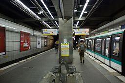 Metro L1 Esplanade IMG 5585