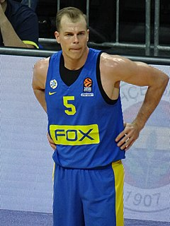 Michael Roll (basketball) basketball player from the United States