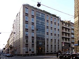 Milano - edificio via Senato 11.JPG