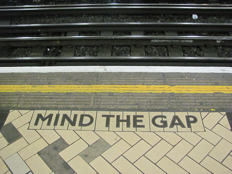 File:Mind the gap 2.JPG