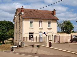 Molesmes-FR-89-mairie-02.jpg