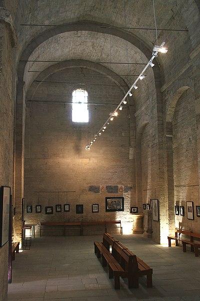 Montbazin (Hérault) - Nef de la chapelle castrale Saint-Pierre.