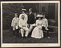 Mr. and Mrs. Theodore Roosevelt and children) - Pach Bros. N.Y LCCN2001697295.jpg