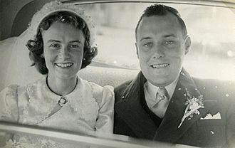 Robert Muldoon - Robert Muldoon married Thea Flyger in 1951