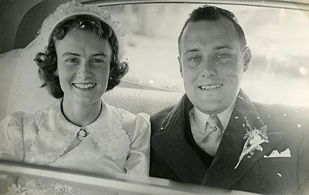 Robert Muldoon married Thea Flyger in 1951. Muldoon's wedding 04.jpg