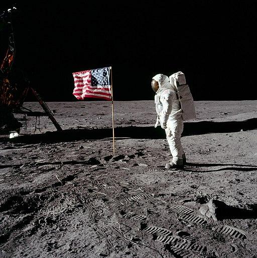 NASA AS-11-40-5875