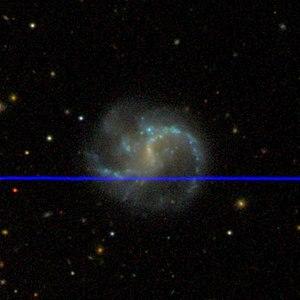 SDSS-Aufnahme von NGC 145
