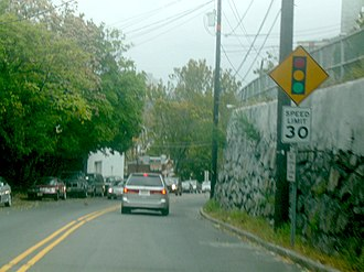 New Jersey Route 5 - Route 5 eastbound approaching its eastern terminus at County Route 505 in Edgewater.