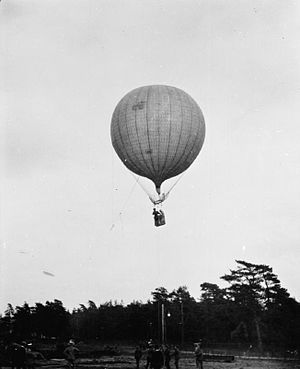 Observation balloon - British observation balloon from 1908, typical of pre-WWI observation balloons