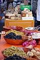 Olives au marché de Forcalquier.jpg