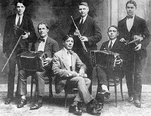 300px-Orquesta_tipica_greco.jpg