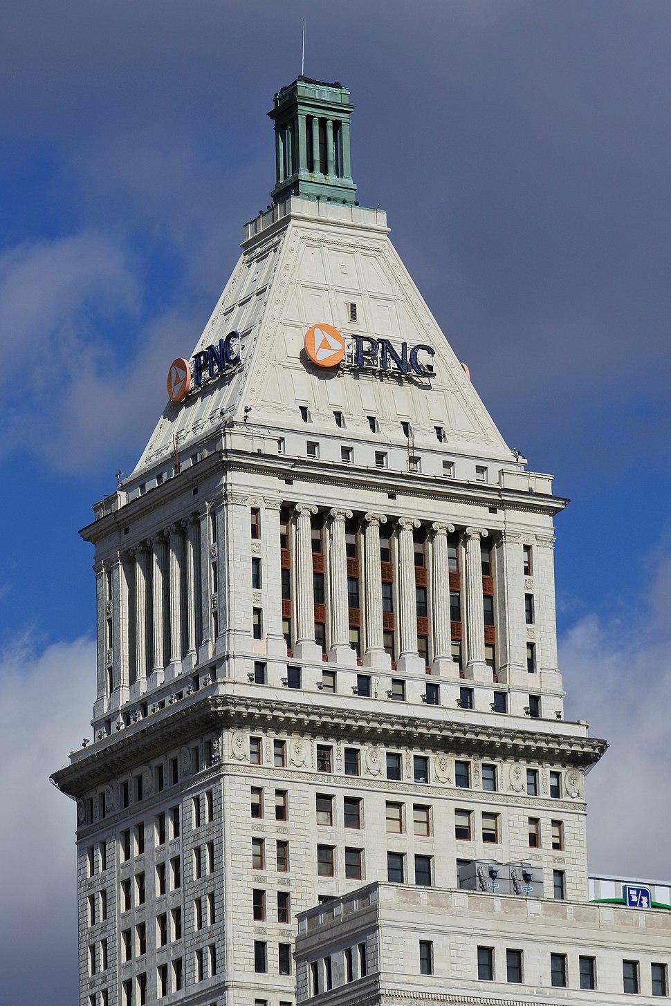 PNC Tower Cincinnati - Close-up view