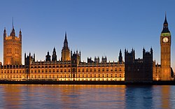 Palace of Westminster at night.jpg