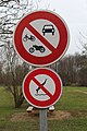 Panneaux interdiction Rives Menthon St Cyr Menthon 1.jpg