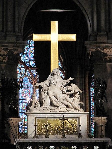 File:Paris Notre-Dame cathedral statue Pieta by Nicolas Coustou altar.jpg