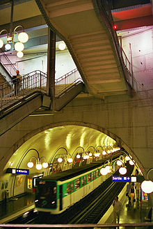 Paris metrostation.jpg